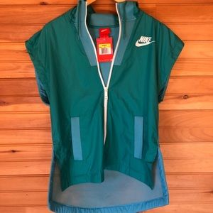 Nike light weight vest teal/blue mesh size small